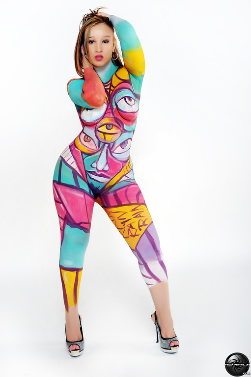 New dominican model mia heights follow her on twitter rock ya body